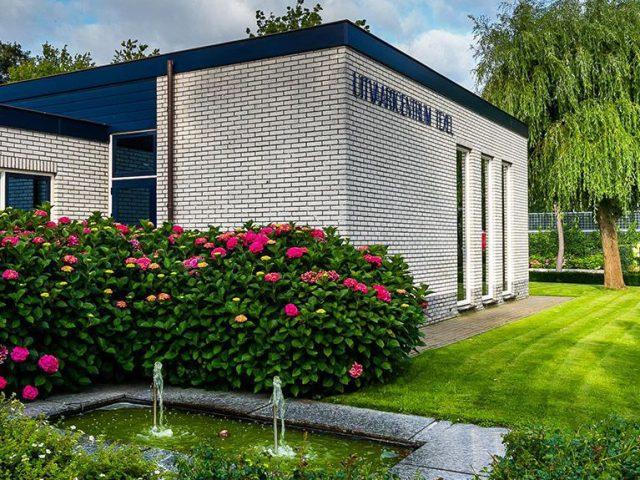 Grote Loopkoets naar Uitvaartcentrum Texel.